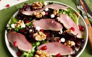 Salade met gerookte eendenborst