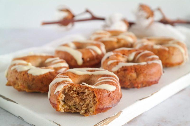 Appel Kaneel Donuts